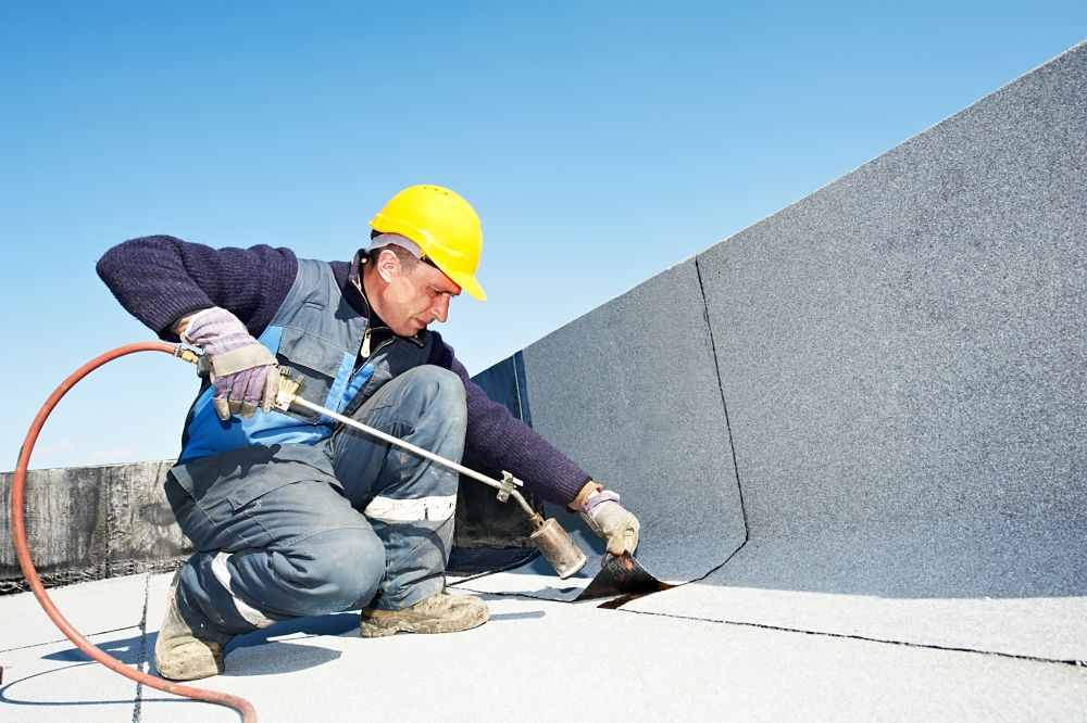 impermeabilización de terrazas para evitar filtraciones de agua en la vivienda