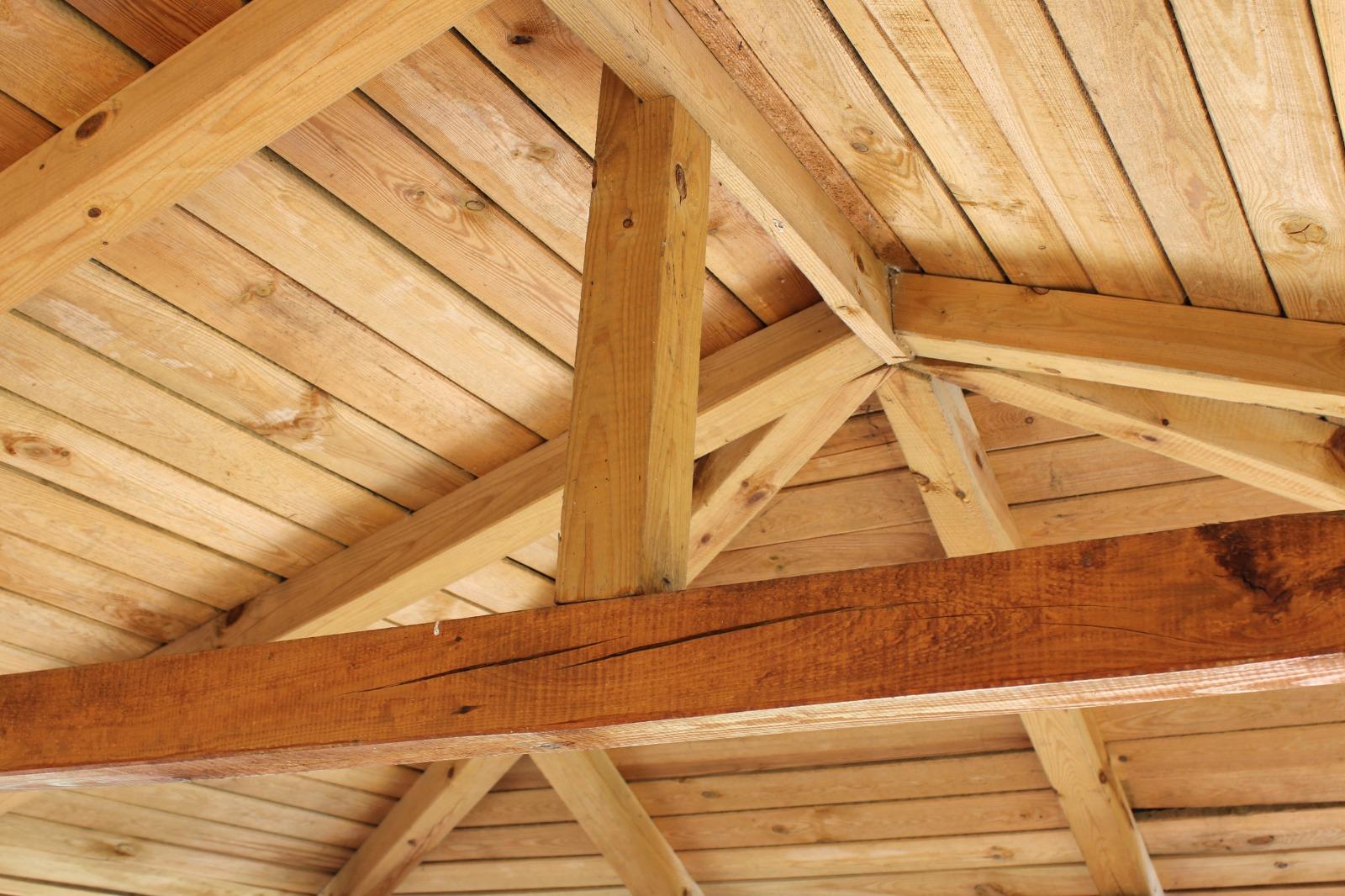 Techo recubierto de madera